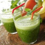 夏の暑さを乗り切るのに効果的なグリーンスムージーのレシピ