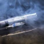 電子タバコは本当に安全?普通のタバコより有害物質が少ない?